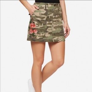 Sanctuary Camo Embroidered skirt
